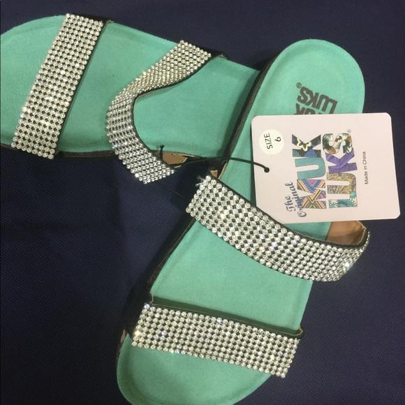 cdd31036680707 Muk Luks Bling Sandals 6M